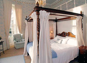 Tay View Bedroom, Pitfour Castle